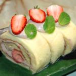 苺とチョコクリームのシフォンロール