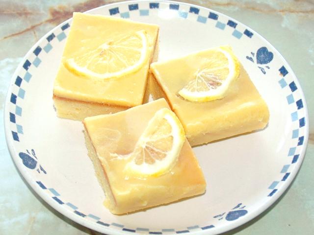 レモンカードのバターケーキ