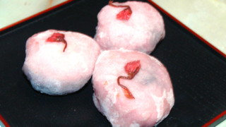 ほんのり苺のシンプル大福