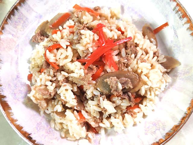 豚コマとごぼうの混ぜご飯
