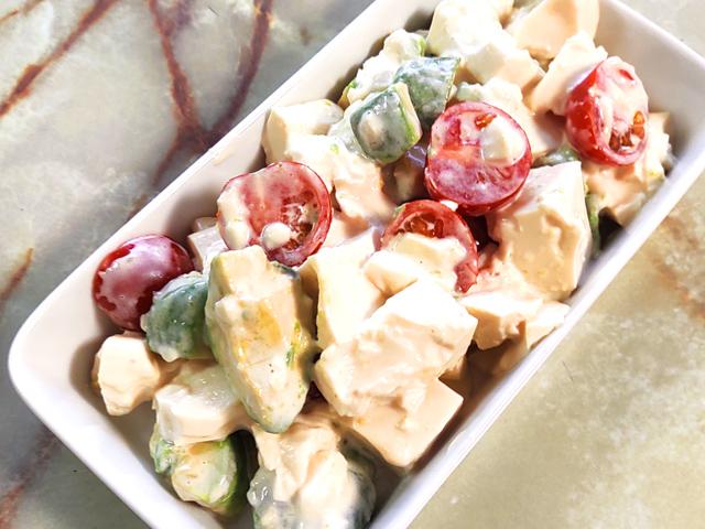 アボカドと豆腐・トマトのサラダ