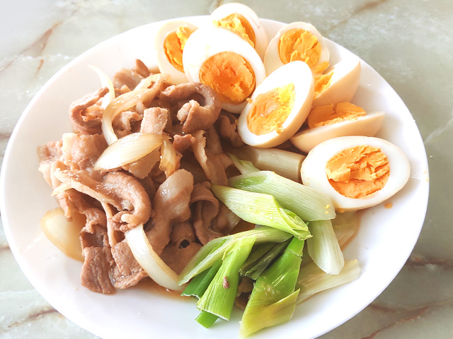 豚バラと卵のチャーシュー仕立て