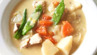 ルーから手作り!鶏肉と野菜のコーンクリームシチュー