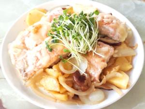 鮭とポテトのチーズ乗せ・コンソメ風味