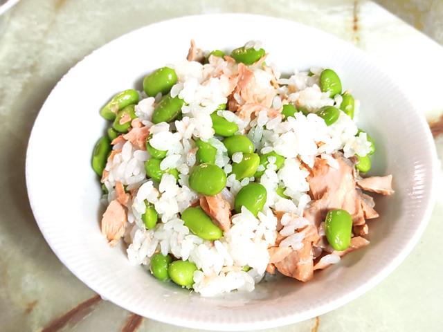 枝豆ゴロゴロ鮭の混ぜご飯